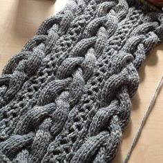 Progress on the Kiri lace & cable scarf  Miss Babs Yowza - Whatta Skein! Monochrome 100% Merino Wool in Oregon Mist #knitting