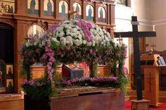 . Orthodox Easter, Greek Easter, Easter Flowers, Church Flowers, Russian Orthodox, Orthodox Christianity, Happy Easter, Flower Arrangements, Greece