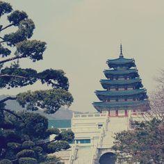 The Folk Museum of Korea #국립민속박물관 ∙ ∙ ∙ #경복궁 #서울스타그램 #소통 #데일리#일상 #architecture #seoul_korea #seoul #seoulstagram #seoulster #hallyu #hallyupedist #korea_museum #travel #explore #korea #visitkorea #picsoftheday
