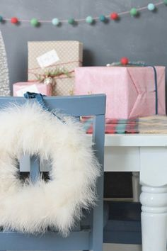 8 Remarkably Sophisticated Holiday Wreaths  #purewow #home