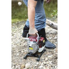 This efficient Wel-Bilt® Water Pump is powerful and dependable and gets the job done quickly. Features a 31cc, 2-stroke engine that works at 8000 RPM and delivers 1,585 GPH at a low 91dB noise level.