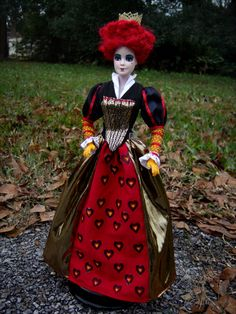 Cool Art, Awesome Art, Inspirational Celebrities, Red Queen, Doll Repaint, Custom Dolls, Alice In Wonderland, Barbie Dolls, Snow White