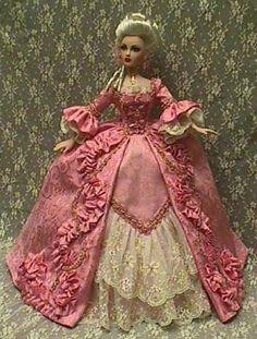 Куклы в королевских нарядах, фарфоровые статуэтки эпохи Рококо. Обсуждение на LiveInternet - Российский Сервис Онлайн-Дневников