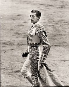 Manolete - I'm not a fan of bullfighting at all, but I can't deny the skill that made Manolete the greatest in history. He was killed at the age of 30, when a bull named Islero severed an artery in his leg.