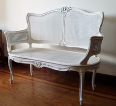 Divano stile Barocco, restaurato con tessuto zebrato | Divani ...