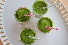 There are so many variations to prepare smoothies. You can use almost all fruits or vegetables.In this green smoothie recipes article we are giving you the ingredients of smoothies. They are for weight loss and detox, full organic and easy. Mango Smoothies, Healthy Green Smoothies, Green Smoothie Recipes, Smoothie Drinks, Smoothie Diet, Recipes Breakfast Video, Breakfast Smoothie Recipes, Breakfast Ideas, Strawberry Spinach