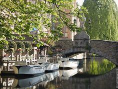 Balade romantique le long des canaux à Bruges