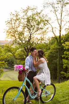 You Just Got Engaged! Now What? – Vol. 1 - Caitlinn Mahar-Daniels Photography