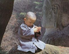 Baby Buddha in prayer Shaolin Kung Fu, We Are The World, People Of The World, Precious Children, Beautiful Children, Meditation, Little Buddha, Baby Buddha, Tao Te Ching