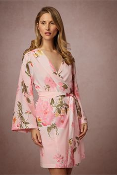 This Painted Petal Robe from @BHLDN would make the perfect gift for your girls to wear while you're all getting ready on the big day!