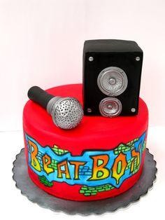 Beatbox Cake Looks great! 18th Birthday Cake For Guys, 10 Birthday Cake, Bithday Cake, Cupcakes, Cupcake Cakes, Dj Marshmello, Microphone Cake, Dj Cake, Music Themed Cakes