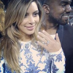 Now THAT'S some serious bling! Check out Kim's flawless diamond from Kanye...and find out how big it is!