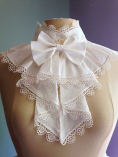 Victorian or Edwardian high necked lace bib over piece [Cosplay sewing patterns and historical costume sewing patterns. Make bodysuits, corsets, capes, gowns, tunics and more for cosplay costumes. Cosplay events listing and cosplay tutorials. Vintage Outfits, Vintage Fashion, Lolita Mode, Estilo Lolita, Vintage Mode, Lace Collar, Collar Choker, Collar Top, Lolita Fashion