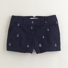 Crew Navy Anchor Chino Shorts - Size 4 These adorable j.crew anchor shorts are in PRISTINE condition and look brand new. Free from any stains, tears, fading, pilling, or odors. They look brand new! Size 4 J. Preppy Style, Style Me, Preppy Fashion, Nautical Shorts, Nautical Outfits, Lilly Pulitzer, Beach Please, Summer Outfits, Stylish Clothes