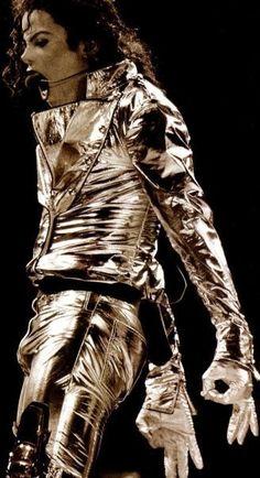 Michael Jackson the GOLD PANTS!! Am I riiiight !!???
