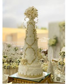 "🍰Tiyap Cake on Instagram: ""_________________ #کیک_عروسی #کیک_عروسی_نامزدی #cakedecorating #wedding #weddingcake #weddingcakes #cakedesign #cakesofinstagram…"" Tall Wedding Cakes, Luxury Wedding Cake, Wedding Cake Inspiration, Cake Art, Cake Decorating, Table Decorations, Instagram, Large Wedding Cakes, Beautiful Cakes"