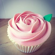 Baby pink rose #cupcake perfect for #valentinesday #babyshowers #birthdays #treats