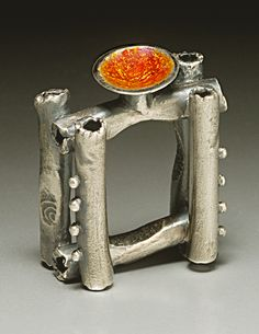 Linda Kaye-Moses - CHALICE on A TRELLIS - Form: Finger Ring -  Materials: Fine silver, vitreous enamels