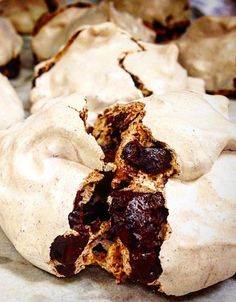 Chocolate Chewy Meringues Michelle Gayer, chef and owner of Minneapolis' acclaimed Salty Tart bakery, shares her recipe for chocolate meringues. Soft, chewy and… Meringue Desserts, Easy Desserts, Delicious Desserts, Yummy Food, Bakery Recipes, Cookie Recipes, Dessert Recipes, Decadent Chocolate, Chocolate Desserts