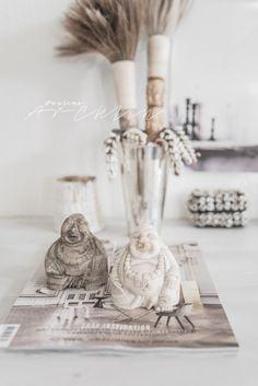 Efty Kvist´s home Natural Wood Decor, Industrial Living, Modern Boho, Trends, Boho Fashion, Fashion Photography, Interior Decorating, Place Card Holders, Detail