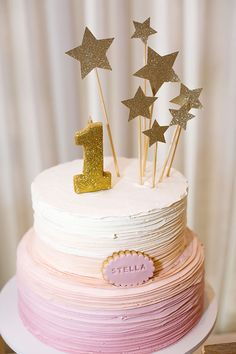 Baby First Cake Girl 29 Ideas 1st Birthday Party For Girls, Baby Birthday Cakes, Birthday Star, Baby First Cake, Birthday Balloon Decorations, Baby Girl Cakes, Cake Baby, Diy Cake Topper, Star Cakes