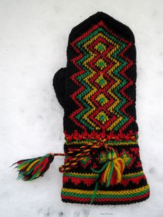 Crochet Mittens, Mittens Pattern, Knitted Gloves, Knit Crochet, Fair Isle Knitting, Free Knitting, Norwegian Knitting, Fingerless Mitts, Wrist Warmers