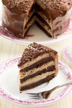 Mit dem Rezept für eine Schoko-Kastanien-Torte lassen sich Gäste auf hohem Niveau verwöhnen. Ein Gaumenschmaus vom Allerfeinsten. Food Obsession, Pastry Cake, Tiramisu, Candy, Baking, Ethnic Recipes, Desserts, Kitchens, Recipes