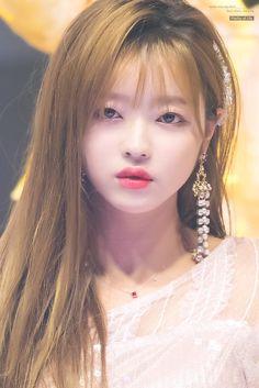 #yooa #ohmygirl 181003 Hope Sharing Concert (Suwon) Kpop Girl Groups, Korean Girl Groups, Kpop Girls, Korean Beauty, Asian Beauty, Girl Crushes, Oh My Girl Yooa, Classy Girl, Only Girl