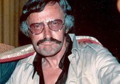 stan lee expression face marvel mustache grey jacket sunglasses glasses dark