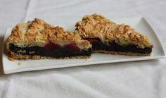 Božský makový koláč se švestkami | Recepty | PEČENĚ-VAŘENĚ Pavlova, Dessert Recipes, Desserts, Sweet Recipes, Plum, Seeds, Food And Drink, Cooking Recipes, Baking