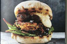 Twirled zucchini & sweet potato burger with chipotle mayonnaise Burger Recipes, Vegetarian Recipes, Vegetarian Burgers, Veggie Burgers, Vegetarian Dinners, Vegan Vegetarian, Zucchini, Chipotle Mayonnaise, Sweet Potato Burgers