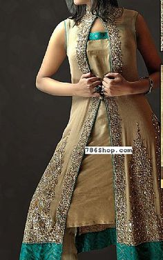 We have Pakistani/Indian Designer clothes online. Formal and Party Pakistani dresses. Buy Designer formal wear and wedding dresses. Pakistani Dresses Online Shopping, Online Dress Shopping, Designer Party Wear Dresses, Indian Designer Outfits, Girl Fashion, Fashion Dresses, Fashion Design, Fashion Clothes, Pakistani Bridal Dresses