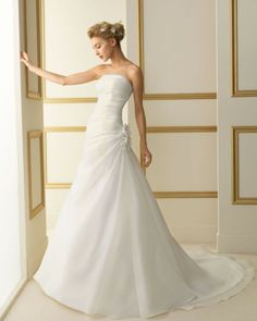 102 TAJO / Wedding Dresses / 2013 Collection / Luna Novias