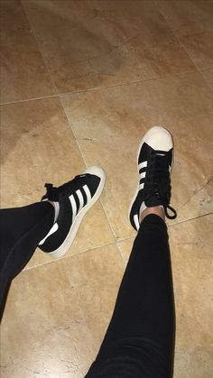 Adidas Superstar 👟
