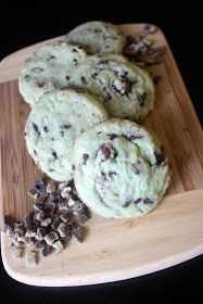 Read It & Eat: Mint Chocolate Chip Cookies