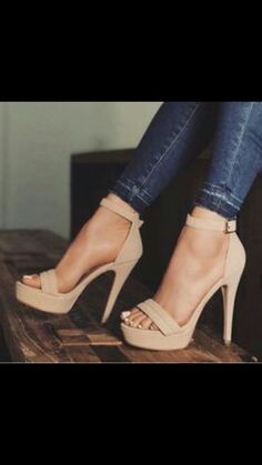 hochzeitsschuhe Trendy High Heels For Ladies : Pastel nude wears Prom Shoes, Women's Shoes, Me Too Shoes, Shoe Boots, Strappy Shoes, Heeled Boots, Heeled Sandals, Sandals Outfit, Cute Shoes Heels