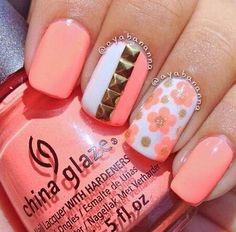Flowers nail design