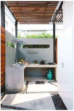 Dirty Kitchen Design, Outdoor Kitchen Design, Modern Kitchen Design, Kitchen Layout, Modern Design, Kitchen Decor, Dirty Kitchen Ideas, Indoor Outdoor Kitchen, Backyard Kitchen
