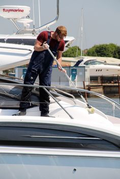 Yacht Guardiennage - A complete maintenance service for your sail or power boat. Contact Us: http://www.universalyachting.com/contact-us/