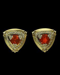 "PAULA CREVOSHAY - EDW091 - 18K Earrings with Opal(2)=10.16ct ""N"",Diamond(50)=1.63ct""A"",Diamond(18)=0.37ct""A""."