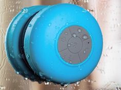 Having to take a shower should not prevent you from listening to your favorite tunes or even answer that all-important phone call. All you need is the Splash Shower Tunes Bluetooth Shower Speaker.