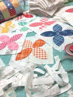 Bee In My Bonnet: Bee Happy Sew Along - Week 12 the Big Finish and Bee Blossoms Tutorial!!!