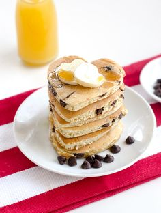 These heart-shaped chocolate chip pancakes are perfect for a holiday or special occasion. Heart Shaped Pancakes, Look And Cook, Heart Shaped Chocolate, Chocolate Chip Pancakes, Thing 1, Recipe Of The Day, Sweet Recipes, Food To Make, Brunch