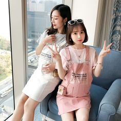 Maternity wear 2019 spring dress new out fashion short-sleeved T-shirt strap summer dress spring and summer suit Mode Bollywood, Clothes For Pregnant Women, Summer Suits, Korean Women, Maternity Wear, Mom And Baby, Spring Dresses, Japanese Girl, Pregnancy Photos