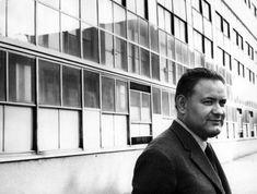 Lo scrittore Paolo Volponi, chiamato da Adriano Olivetti a Ivrea, nel 1965