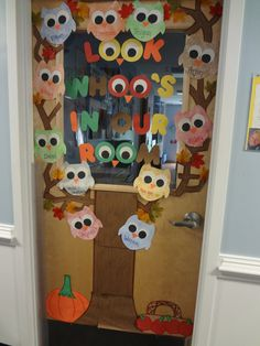 classroom door displays for fall | my fall themed classroom door decorations