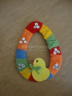 DIY instructions for rabbits and turtles: tinker children-DIY Anleitung zum Hasen und der Schildkröte: Kinder basteln mit Faden und Papie… DIY instructions for rabbits and turtles: Children tinker with thread and paper for Easter or just like that. Easter Bingo, Easter Puzzles, Easter Activities For Kids, Easter Crafts For Kids, Kids Diy, Easter Art, Easter Eggs, Spring Crafts, Holiday Crafts