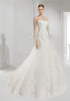 Vestido de novia Patricia Avendaño colección 2016 modelo 2560 en Eva Novias Madrid.  #bridalfashion #moda #vestidodenovia #weddingdress #boda #tienda #madrid