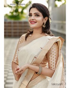Cotton Saree Designs, Sari Blouse Designs, Dress Designs, Onam Saree, Kerala Saree, Sari Dress, Saree Blouse, Indian Wedding Outfits, Indian Weddings