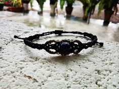 Sieh dir dieses Produkt an in meinem Etsy-Shop https://www.etsy.com/de/listing/520668520/macrame-armband-mit-lapis-lazuli
